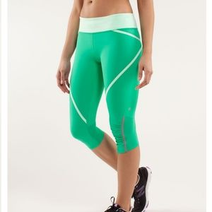 LULULEMON/ Run Pace Crop